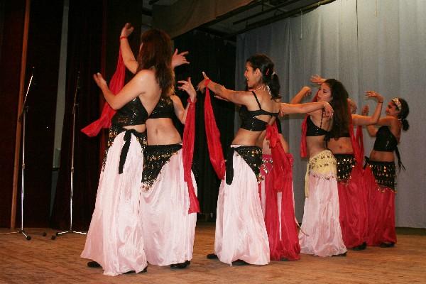 Romský taneční kroužek se představí na Jarních dnech v Zahradě Teplá ... fc6dc30f68