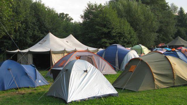 Tábor (mezinárodní setkání CEJ Doksy 2014, foto Michala K. Rocmanová)