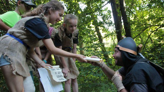 Základem programu většiny pionýrských táborů jsou propracované tematické hry