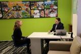 Předseda ČRDM Aleš Sedláček v rozhovoru s redaktorkou České televize (foto Jiří Majer)