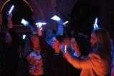 Hosté setkání se stali pobavenými diváky světelné hry (foto Marek Krajči)