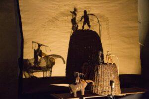 Výjev z divadelní hry Spoutaný trávou (foto Vít Mádr)