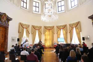 Ze slavnostní akce Koordinačního centra česko-německých výměn mládeže Tandem na německém velvyslanectví v Praze (foto Tandem)