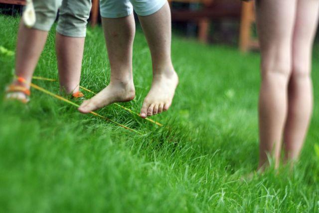 Ojedinělý výzkum se zabýval tím, jak děti školou povinné tráví svůj čas venku a co o tom soudí jejich rodiče (foto Nadace Proměny Karla Komárka)