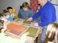 Z činnosti včelařského kroužku - výroba svíček